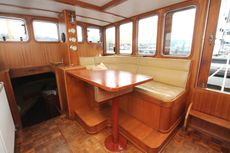 Beautiful motorship, ideal for traveling and live a board