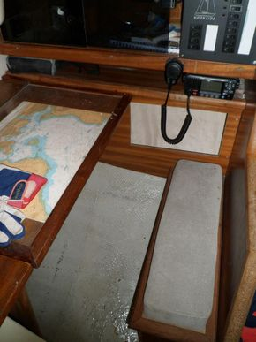 Chart Table Seat