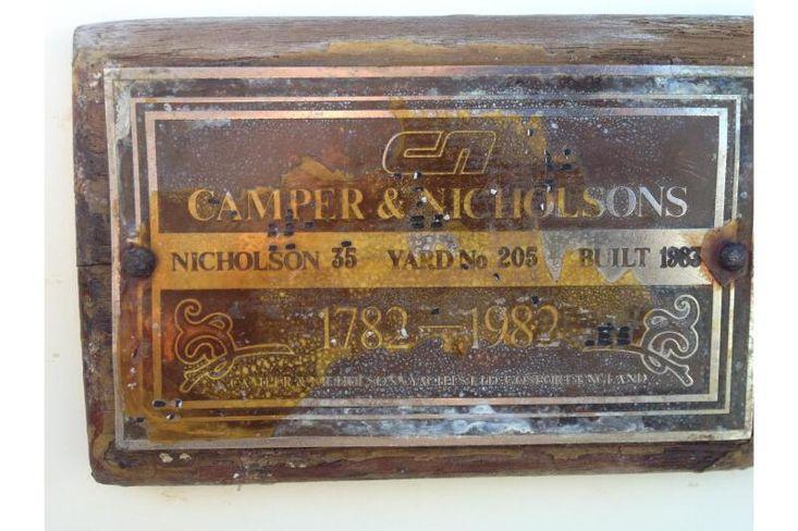 1983 Nicholson 35