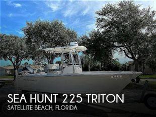 2012 Sea Hunt 225 Triton