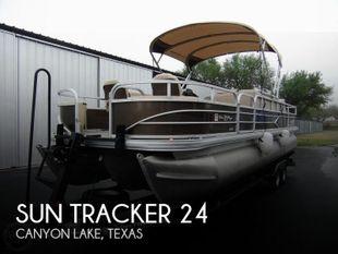 2018 Sun Tracker 24 DLX Fishin' Barge