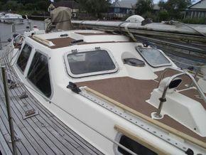 Oyster  406-16 Deck Saloon Version - Coachroof/Wheelhouse