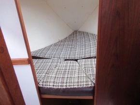 Sailing Cruiser 23 Cobra 700 Fin Keel - Forward Cabin