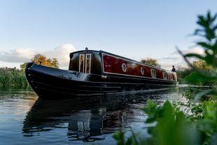 Stunning 60' Tyler-Wilson narrowboat