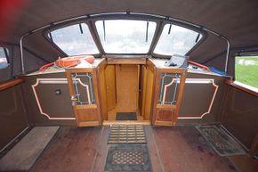 Stern deck forward