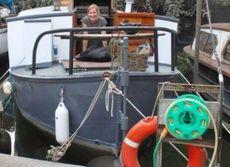30ft houseboat on Brentford mooring