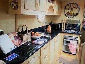 Gas hob & oven and microwave