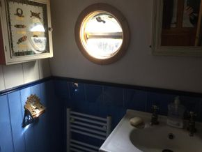 bathroom- porthole and sink