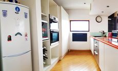 Stunning 3 bedroom houseboat bacart barge