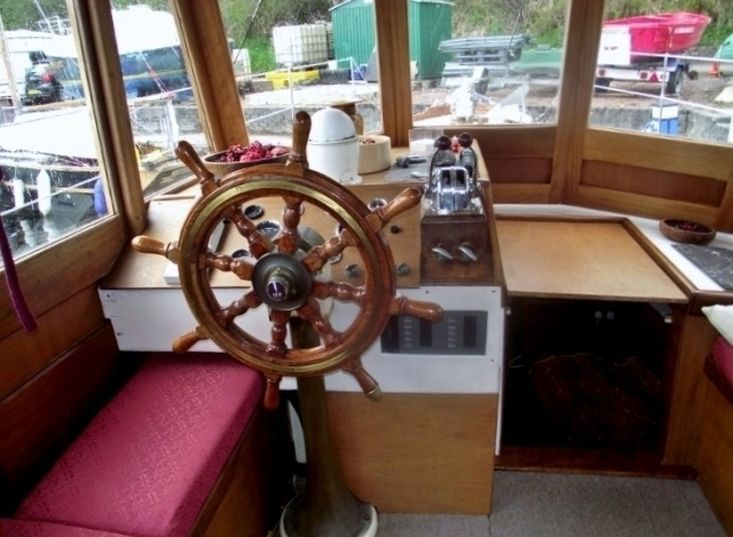 1929 Classic Motor Cruiser
