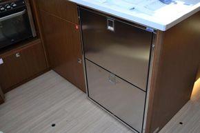 Additional drawer fridge incl freezer unit totalling 155l