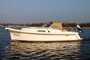 Comes standard with bow thruster