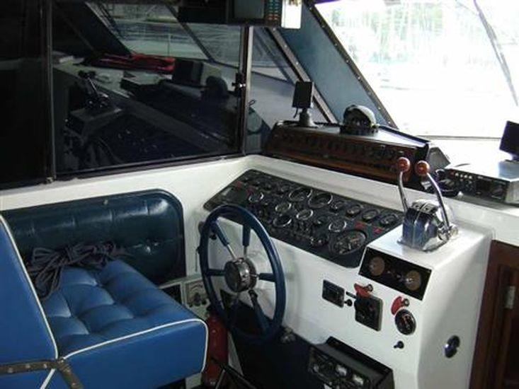 1974 Custom Moonraker 36