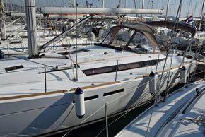 Jeanneau Sun Odyssey 449  - Coachroof/Wheelhouse