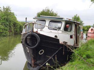 40-foot Dutch barge