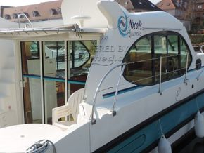 Nicols Estivale Quattro Canal and river cruiser - Coachroof/Wheelhouse