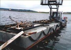 Road transportable waste barge