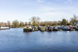 60ft Narrowboat Moorings at Saul Junction Marina