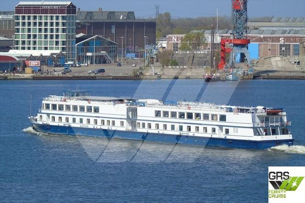 90m / 108 pax Cruise Ship for Sale / #1092911
