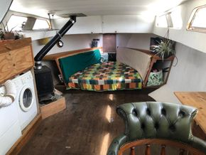 Replica Boat Torpedo Boat Twin Detroit diesel engines 900hp - Forward Cabin