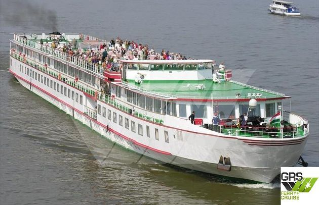 107m / 182 pax Cruise Ship for Sale / #1096641