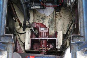 Main hydraulic drive motor