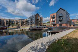 Brand new houseboats to buy, EN9