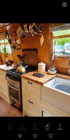 Narrow boat in beautiful Bath