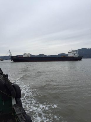 Two 3000T similar self-propelled deck barge sold in very good price