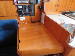Jeanneau Sun Odyssey 32 AFT CABIN - Nav Station