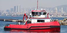 20TBP TWIN SCREW TUGBOAT W/ FIFI & DECK CRANE