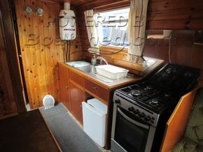 Narrowboat 42ft with Mooring  - Galley