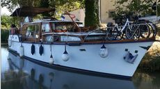 Quality Classic Motor Cruiser in France