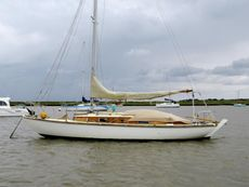 Folk boat 1960 Classic Bermudan Sloop Parhams Built
