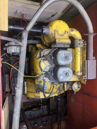Duetz 2 cylinder engine
