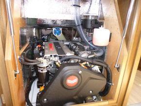 Yanmar  4JH80 (80hp) engine upgrade on sail drive