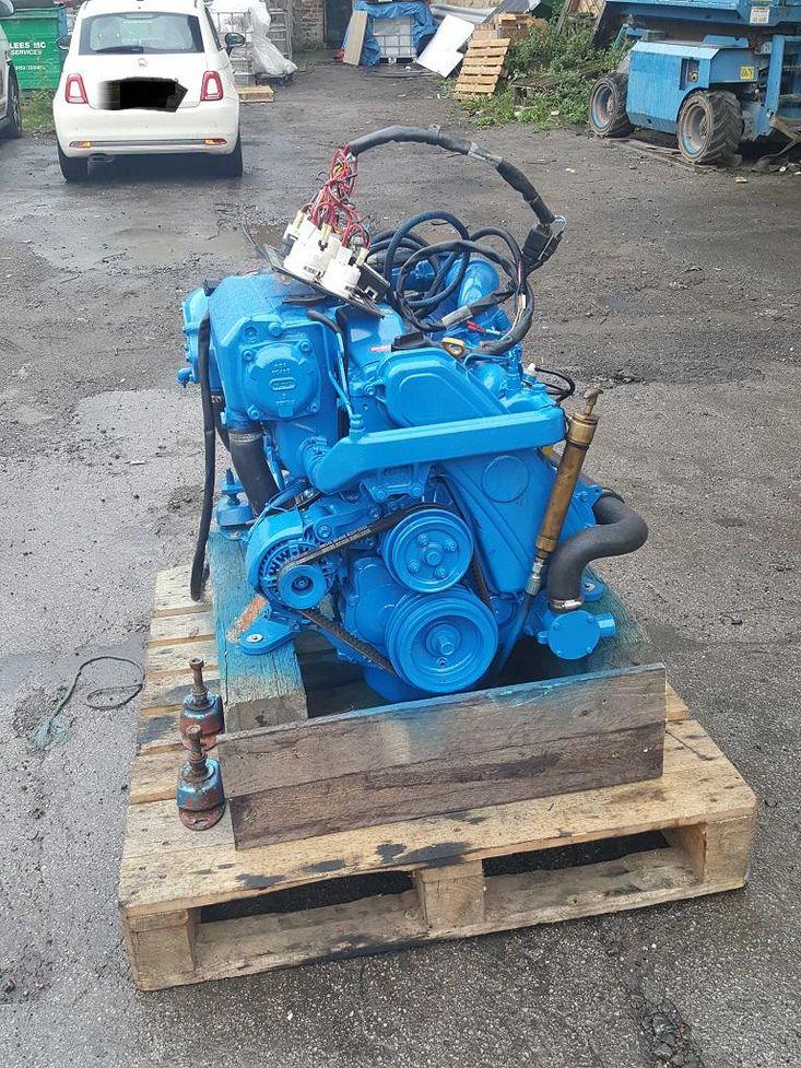 Nanni 4 cylinder engine