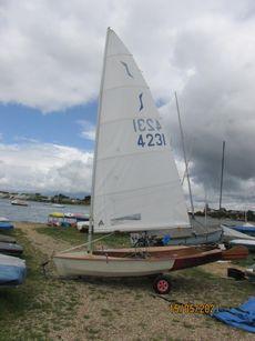 solo sailing dinghy