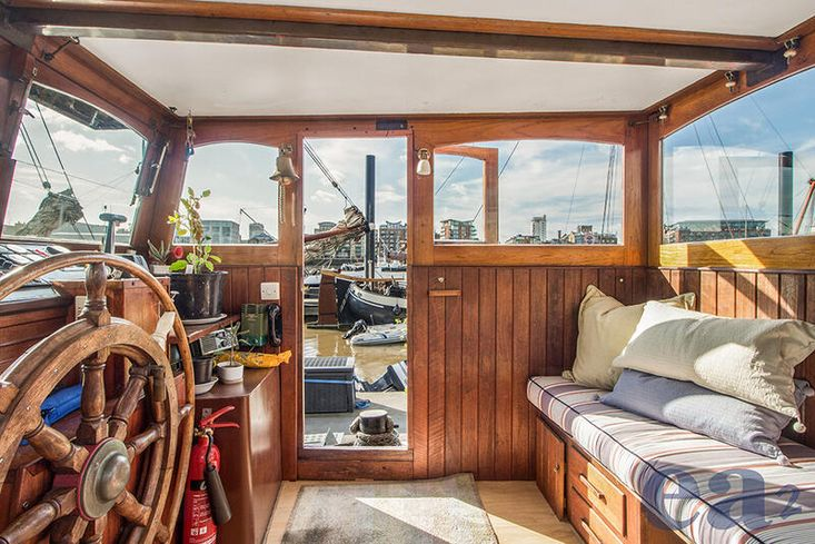 Houseboat Barge River Thames including Freehold Mooring