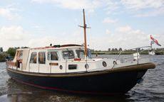 Valkvlet 11.30 a Classic Dutch Canal Boa