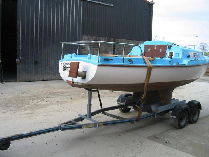 Hunter Motor Yacht