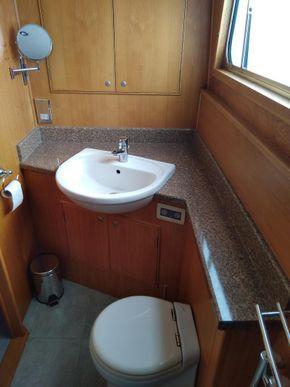Main Cabin En Suite