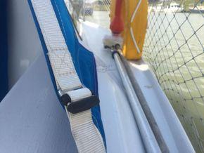 Hunter Delta 25  - Side Deck