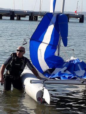 Inflatable masthead buoyancy