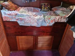 Under bed cupboard