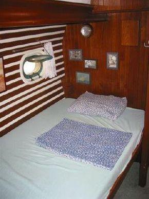 Quarter cabin