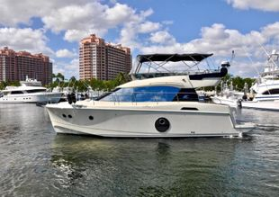 2015 Monte Carlo Yachts MC4