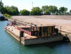 70' x 30' x 7' Hopper Barge