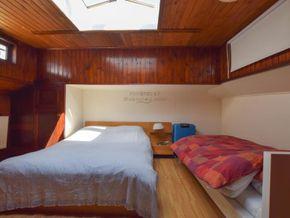 Dutch Barge 23m  - Forward Cabin