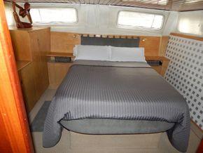 Dutch Steel Cruiser spacious liveaboard - Aft Cabin